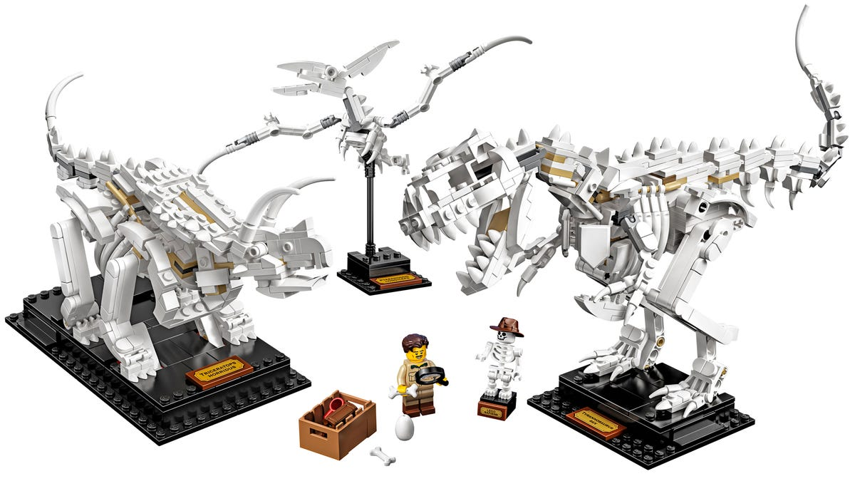 gizmodo.com - Andrew Liszewski - Lego's New Dinosaur Fossils Turn Your Desk Into a Miniature Natural History Museum