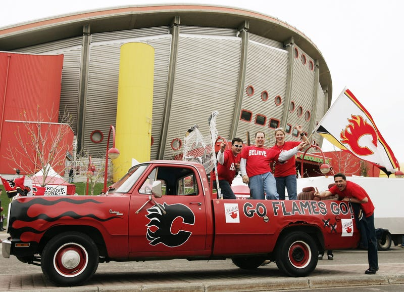 The Saddledome in 2004.