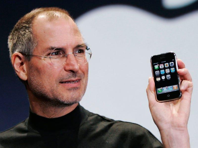 Illustration for article titled Starbucks aún recibe pedidos de 4.000 cafés por culpa de Steve Jobs