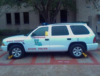 Illustration for article titled Louisiana State Trooper Booted For Parking Like Asshat