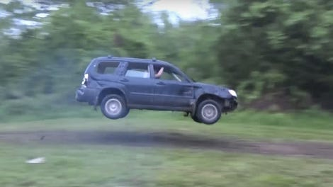 Subaru Forester Off Road >> Watch A Man Recover His Subaru Forester After It Floats Down