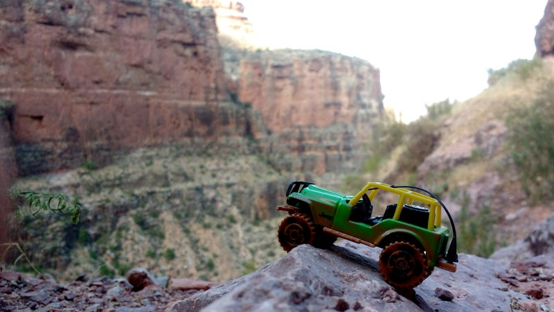 Illustration for article titled Grand Canyon's Green Jeep Tours