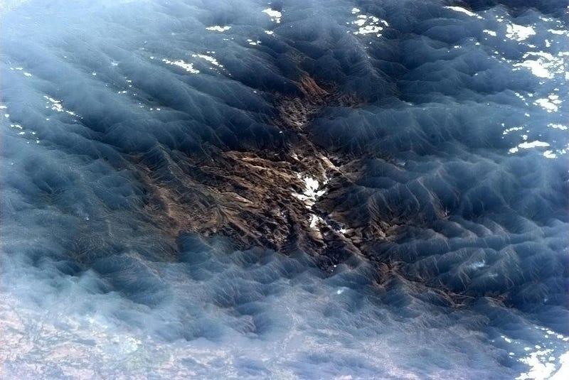 Illustration for article titled El astronauta que tuitea espectaculares fotos desde el espacio