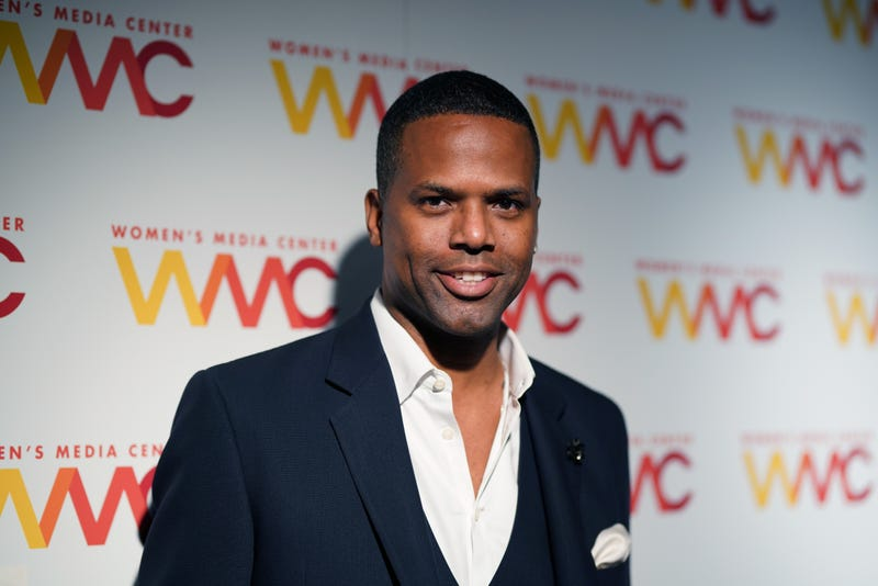 Illustration for article titled Extra's A.J. Calloway Suspended Amid Sexual Assault Investigation
