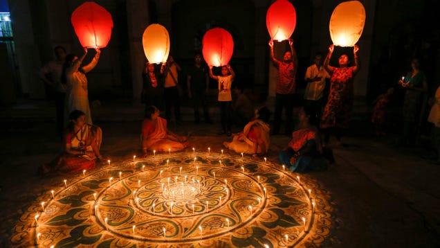 How to Celebrate Diwali