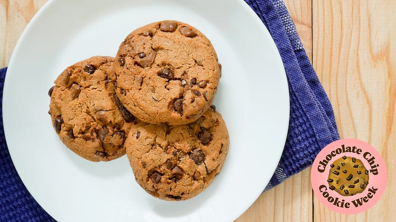 Illustration for article titled Describe your ideal chocolate chip cookie in graphic detail