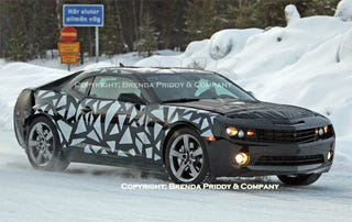 Illustration for article titled 2010 Chevy Camaro Caught Testing In Sweden, Best Black Grille Shot Yet