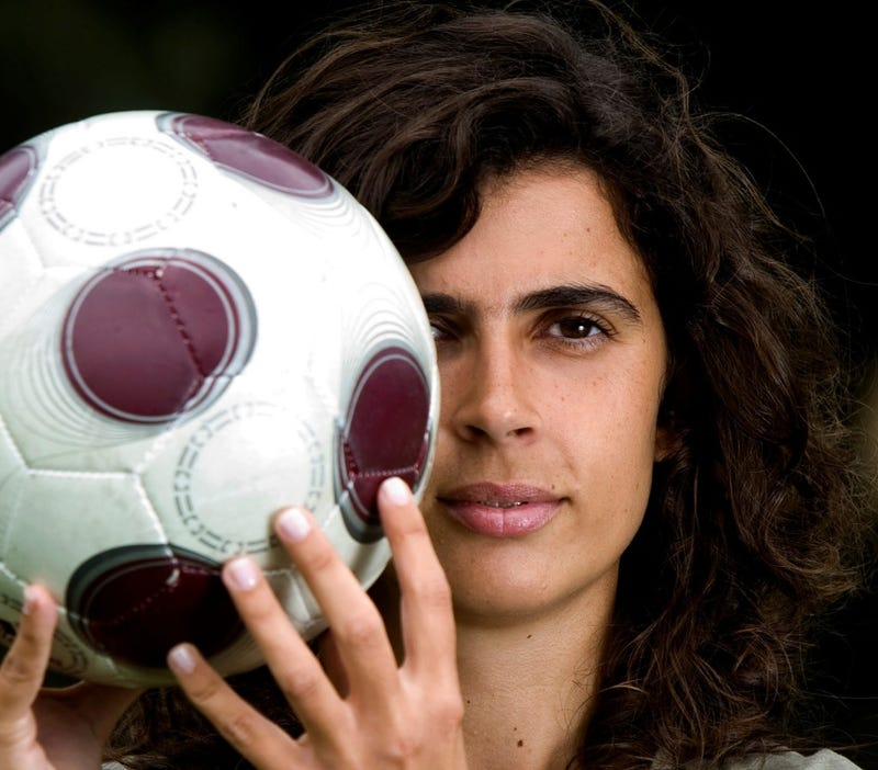 Illustration for article titled C'est Magnifique: Helena Costa Gets Nod To Coach Clermont Foot