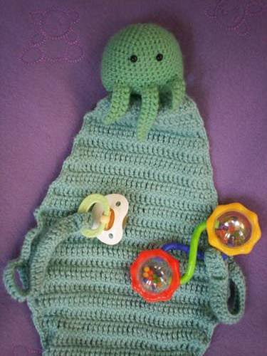 Illustration for article titled Cthulhu Blanket Gives Your Baby Sweet Nightmares