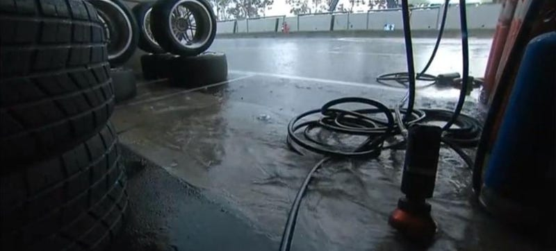 Illustration for article titled Here We Go Again: V8 Supercars' Finale Is Suspended For Being Soggy Wet