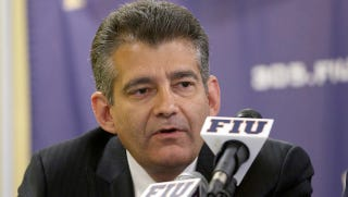 Illustration for article titled FIU Refuses To Credential Miami Herald Beat Writer For Season Opener