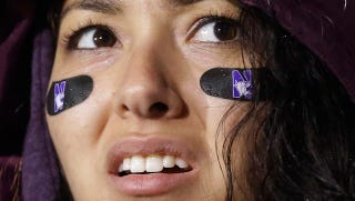 Illustration for article titled Northwestern And Michigan Are Playing One Of The Worst Games Ever
