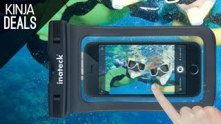 Turn Your Phone Into an Underwater Camera with This $8 Dry Bag