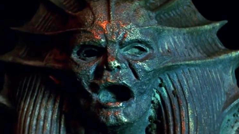 listen to tom cruise scream aimlessly in the mummy trailer without