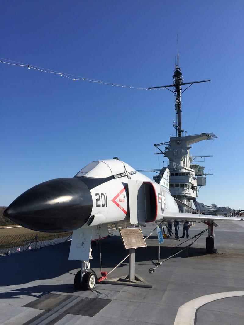 Illustration for article titled USS Yorktown - Photo Dump