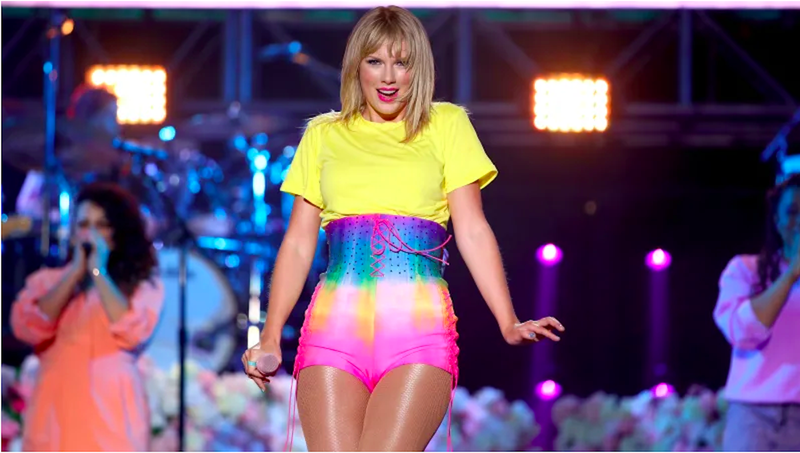 Illustration for article titled Taylor Swift Is Still Richer Than You and Literally Everyone Else
