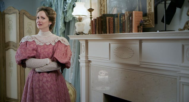 Judy Greer, Snooty Ghost  Has Already Sold Us on Lady of the Manor