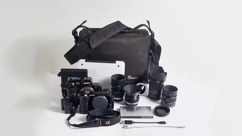 Illustration for article titled The Urban Photographer's Daily Bag