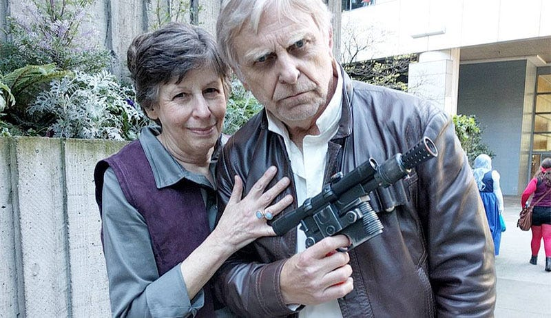 Illustration for article titled Force Awakens Han & Leia Cosplay Is The Best