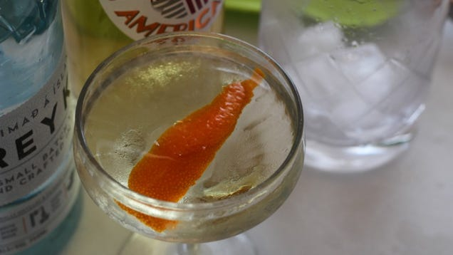 3-Ingredient Happy Hour: A Refreshing, Springy Martini
