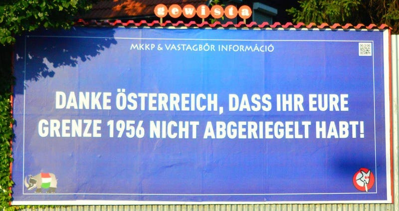 Illustration for article titled Bécsbe is kikerült az ellenplakát, a Madách térivel szelfizni is lehet