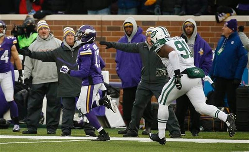 Illustration for article titled Jets Screw Up Game And Cover In Overtime Loss To Vikings