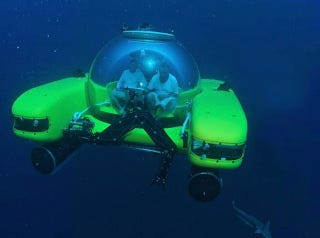 Illustration for article titled This Submarine's Glass Dome Gets Tougher Under Pressure