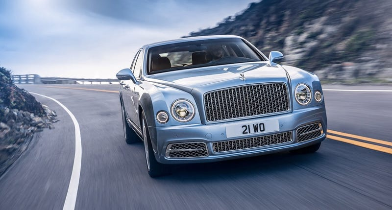Illustration for article titled Why does the new Bentley look like a Chinese copy of a Bentley?