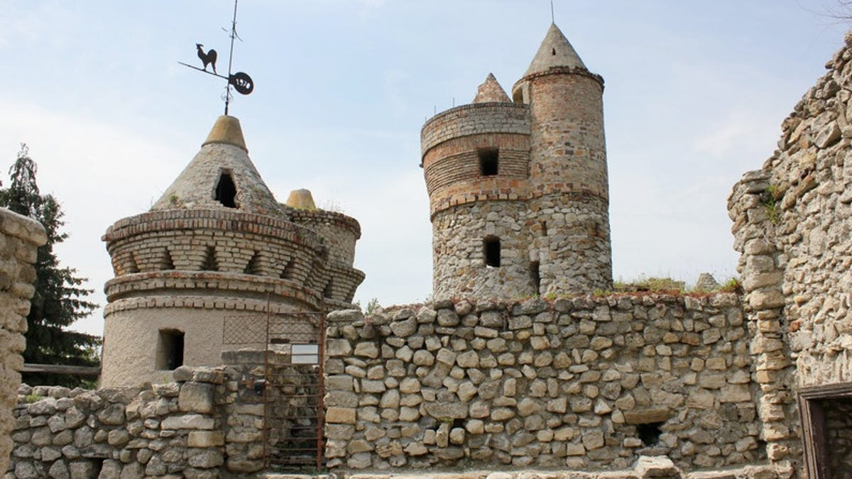 10 incredible diy castles built by a single person