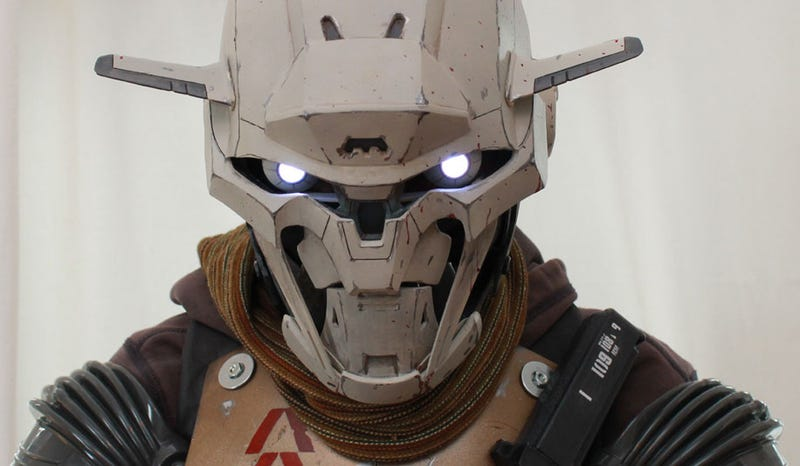 Illustration for article titled Destiny Cosplayer Looks Like An Actual Robot