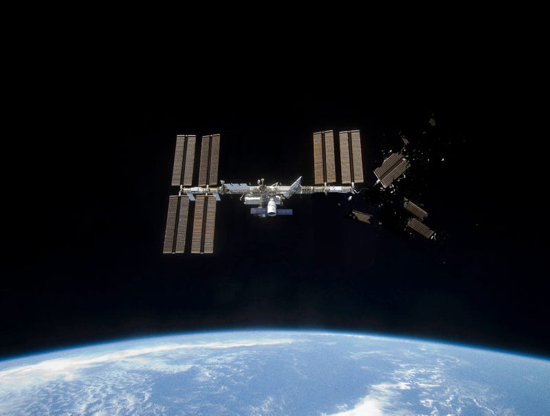 Illustration for article titled Astronaut Piloting Cargo Ship Leaves Note On Side Of ISS After Accidentally Knocking Off Solar Array
