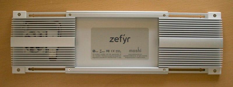 Illustration for article titled Lightning Review: Moshi Zefyr MacBook Notebook Cooler