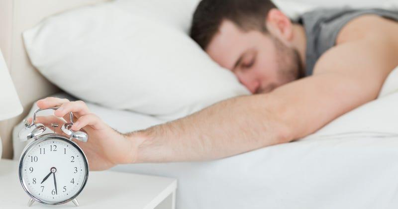 Illustration for article titled El número de horas ideal que deberías dormir cada día, según la edad