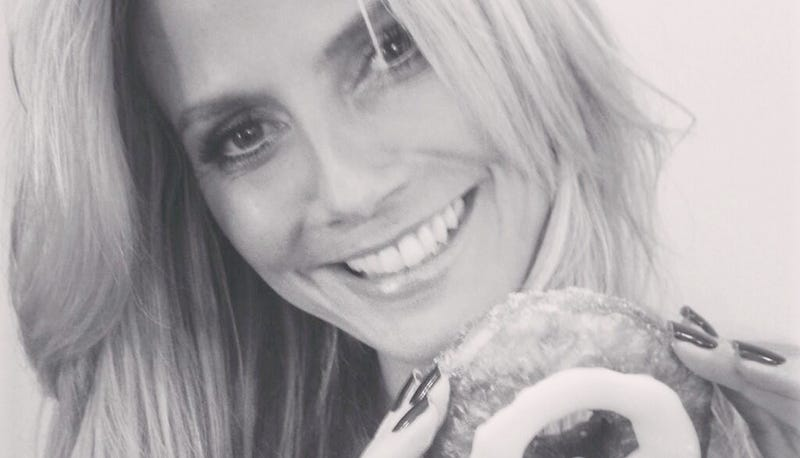 Illustration for article titled Heidi Klum Gets Her Hands On An Official Cronut