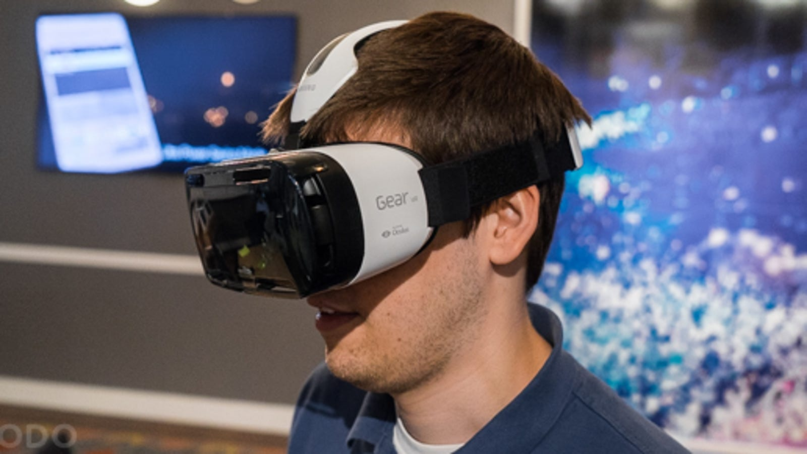 3a1c69a886d Gear VR  Samsung s Answer to the Oculus Rift Is a Phone-Powered VR Beast