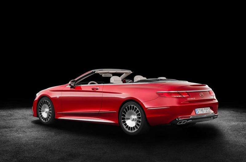 Illustration for article titled The Mercedes-Maybach S 650 Cabriolet Is A Hilariously Expensive Way To Hate Rain