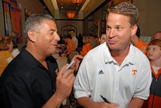 """Illustration for article titled Bruce Pearl Gets In Amusing Zinger On """"Dumbass"""" Lane Kiffin"""