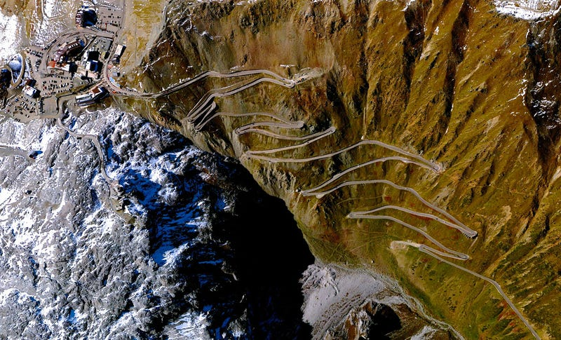 Illustration for article titled Stelvio Pass From Above
