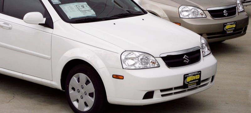 Illustration for article titled Suzuki Comes Back From The Dead To Recall 184,000 GM-Built Cars