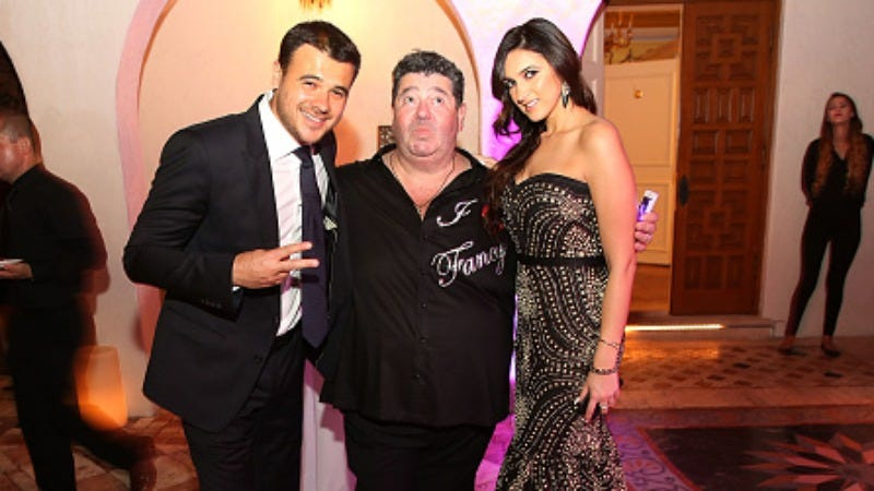 Rob Goldstone, center, is pictured here with his Russian artist Emin Agalarov (Photo: Aaron Davidson/Getty Images)