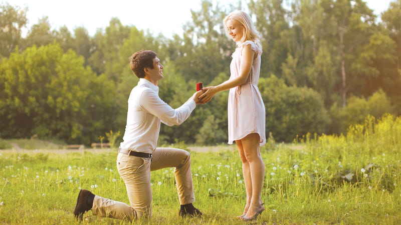 Man Feels Pressure To Propose After Dating Girlfriend For 3 Years, Buying Ring, Getting Down On One Knee