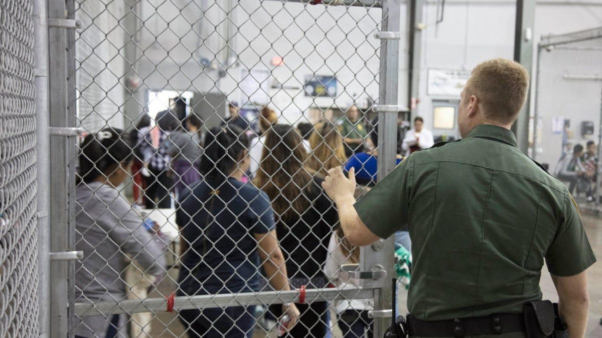 gizmodo.com - Bryan Menegus - Salesforce Faces Boycott Threat as RAICES Rejects $250,000 Donation Over CBP Contract