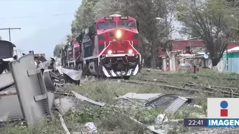 A train in the town of Acultzingo, Mexico, considered the train robbery capital of the world.