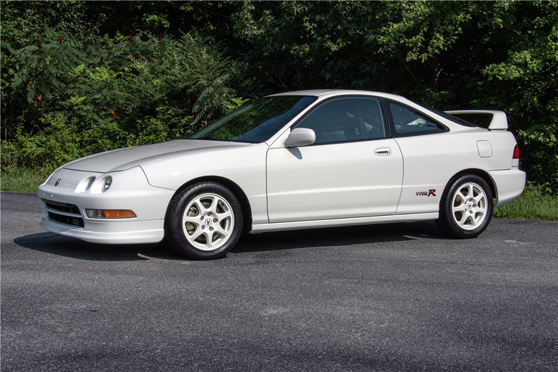 Illustration for article titled I Just Fainted Because A 1,200 Mile Integra Type R Sold For $63,800