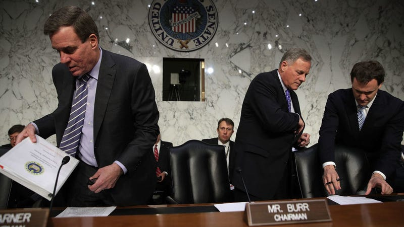 Chairman Sen. Richard Burr (R-NC) (2nd R) and Vice Chairman Sen. Mark Warner (D-VA) (L) arrive at a hearing before the Senate (Select) Intelligence Committee June 21, 2017 on Capitol Hill in Washington, DC. Photo: Getty