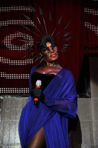 Illustration for article titled Grace Jones Thinks Gaga Is A Copycat; Demi Moore Doesn't Want You To Call Her A Legend