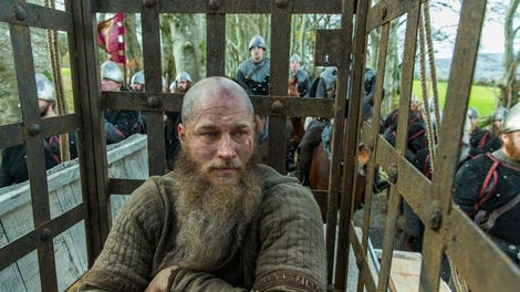 In its bloody mid-season finale, Vikings finds some redemption in