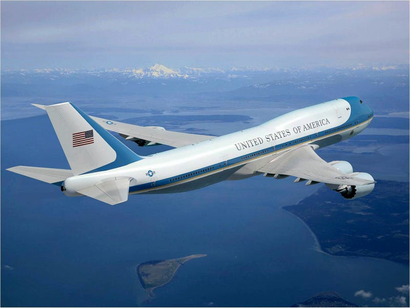 Illustration for article titled Trump and Boeing CEO Look to Downscale Requirements on Air Force One Replacement