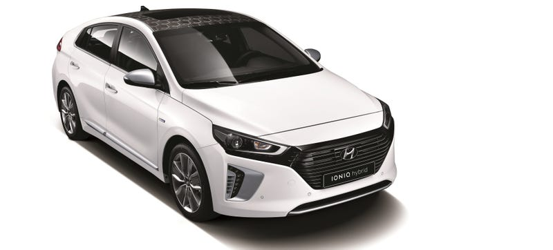 Illustration for article titled Hyundai's IONIQ Prius-Fighter Is A Surprisingly Interesting Greenmobile In Three Flavors