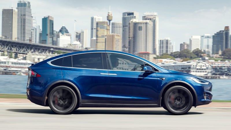 Illustration for article titled The Tesla Model S and Model X Base Models Just Got Dropped